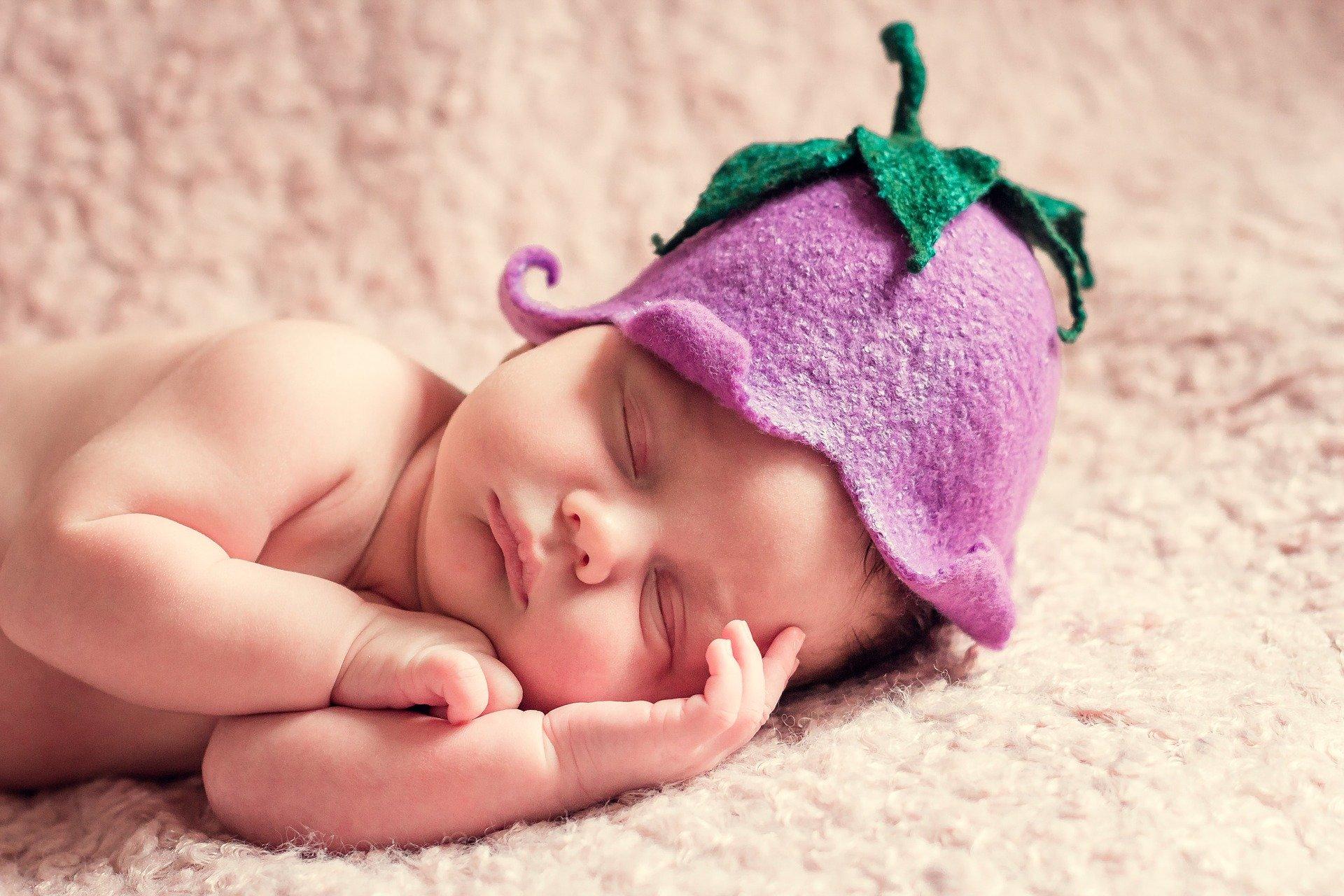 寝相が悪くてもOK!可愛い赤ちゃんのためのスリーパーポンチョ