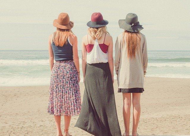 極暖素材で寒い日もぽかぽか!おしゃれなマタニティチェック柄スカート